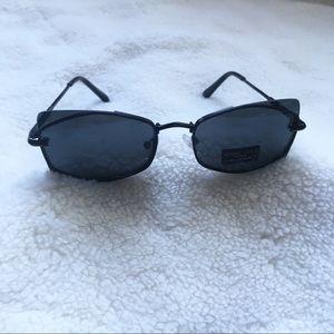 NWT Kendall + Kylie sleek sunglasses